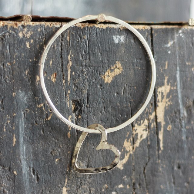 Bangle with heart - small