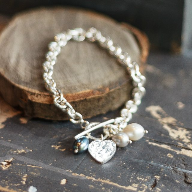Hammered heart bracelet with stones - small