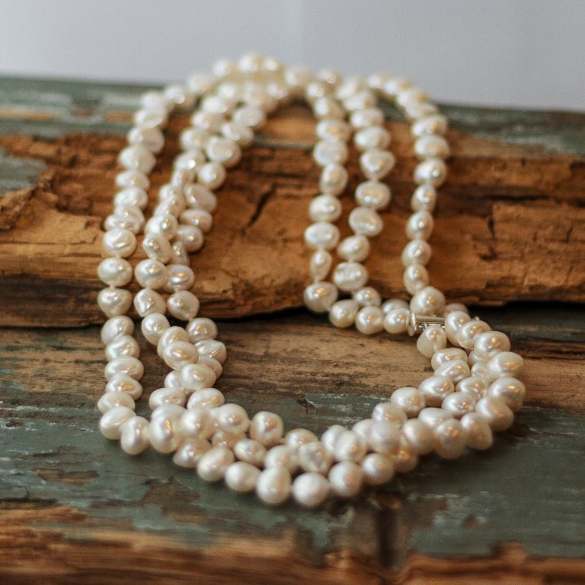 Triple strand pearl necklace - small